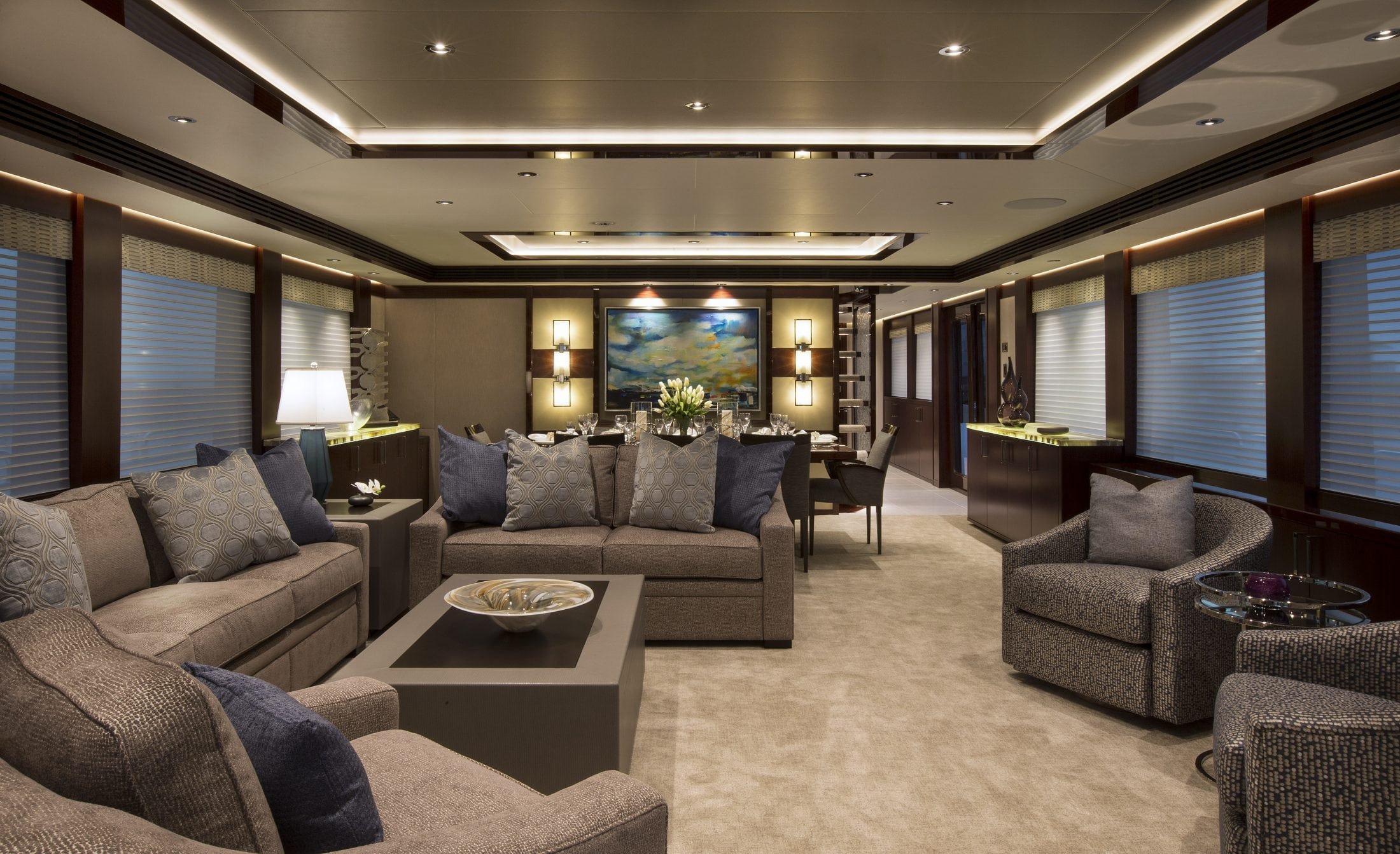 125' (38M) Westport Eccentric Main Salon