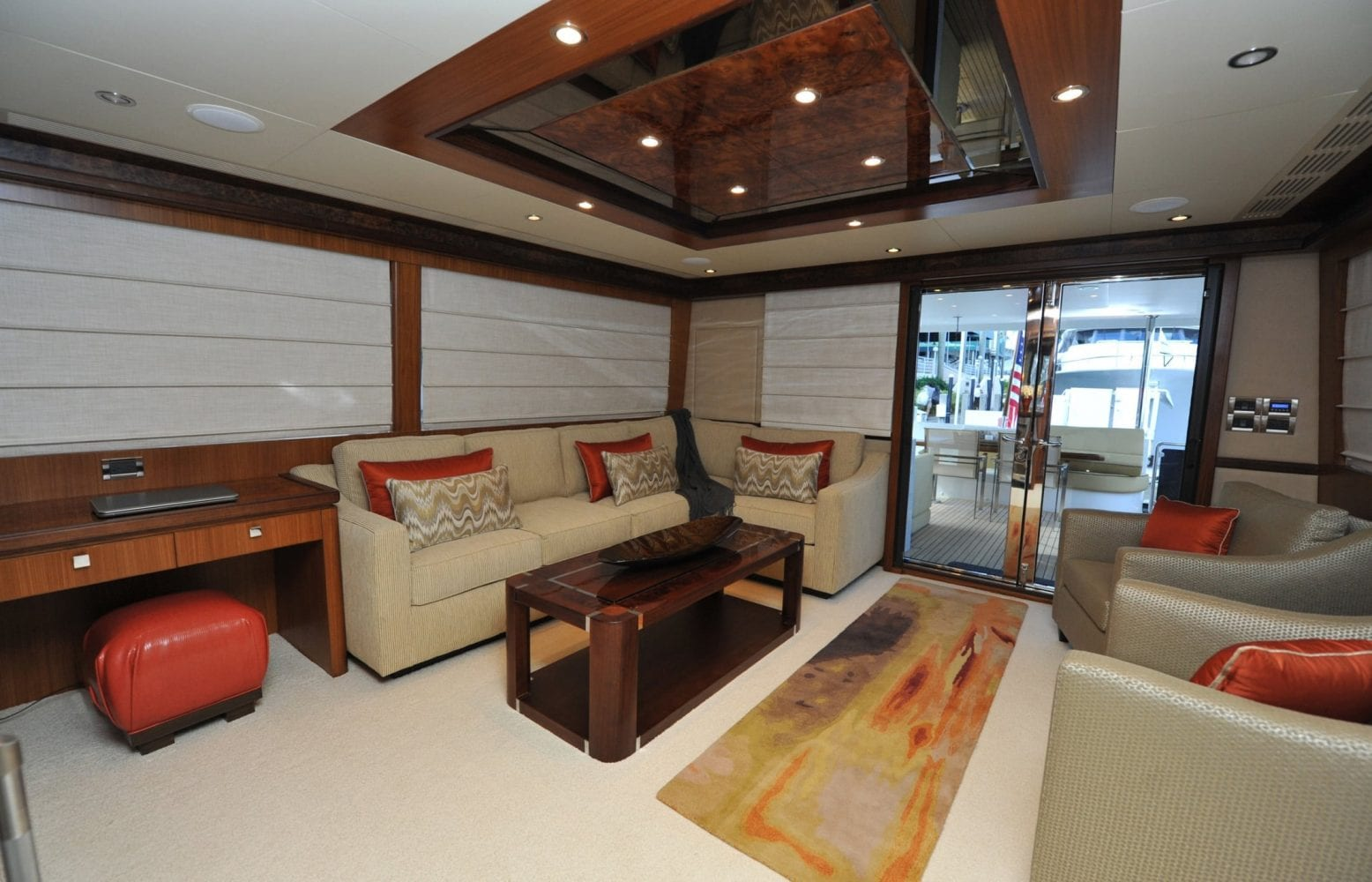 72' Ocean Alexander Steelaway Main Salon