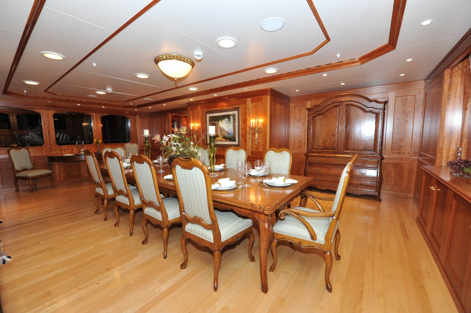 209' Royal Denship Turmoil Dining Salon 2
