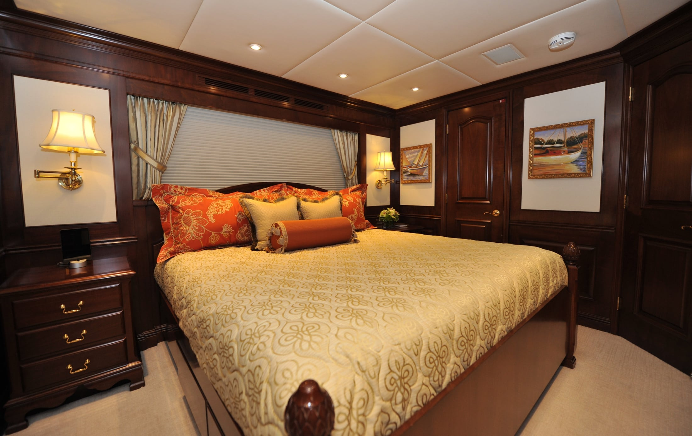 142' Trinity Chevy Toy Main Guest Stateroom