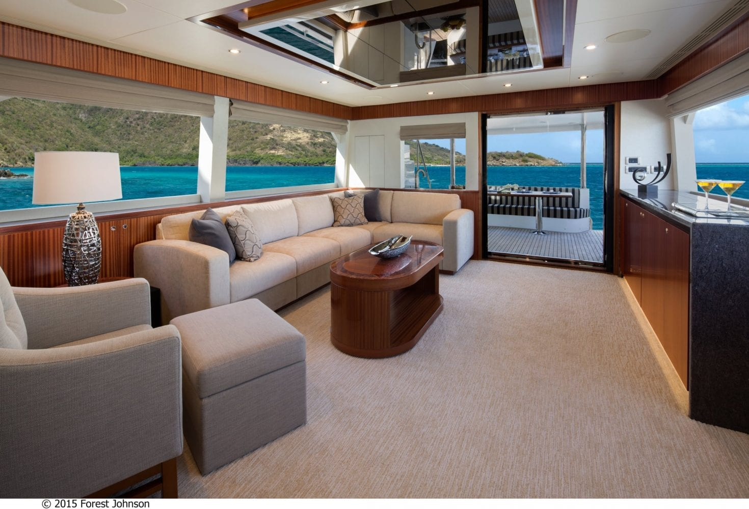 72' Ocean Alexander Main Salon