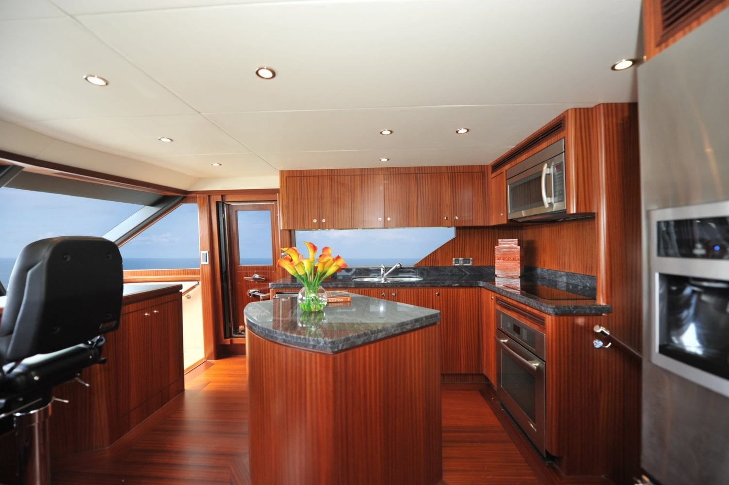 72' Ocean Alexander Mimi's Magic Galley