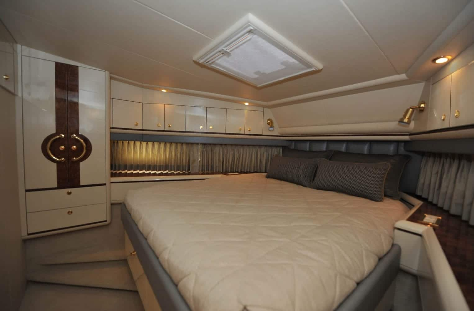 72' Neptunus Mr. Chips VIP Stateroom