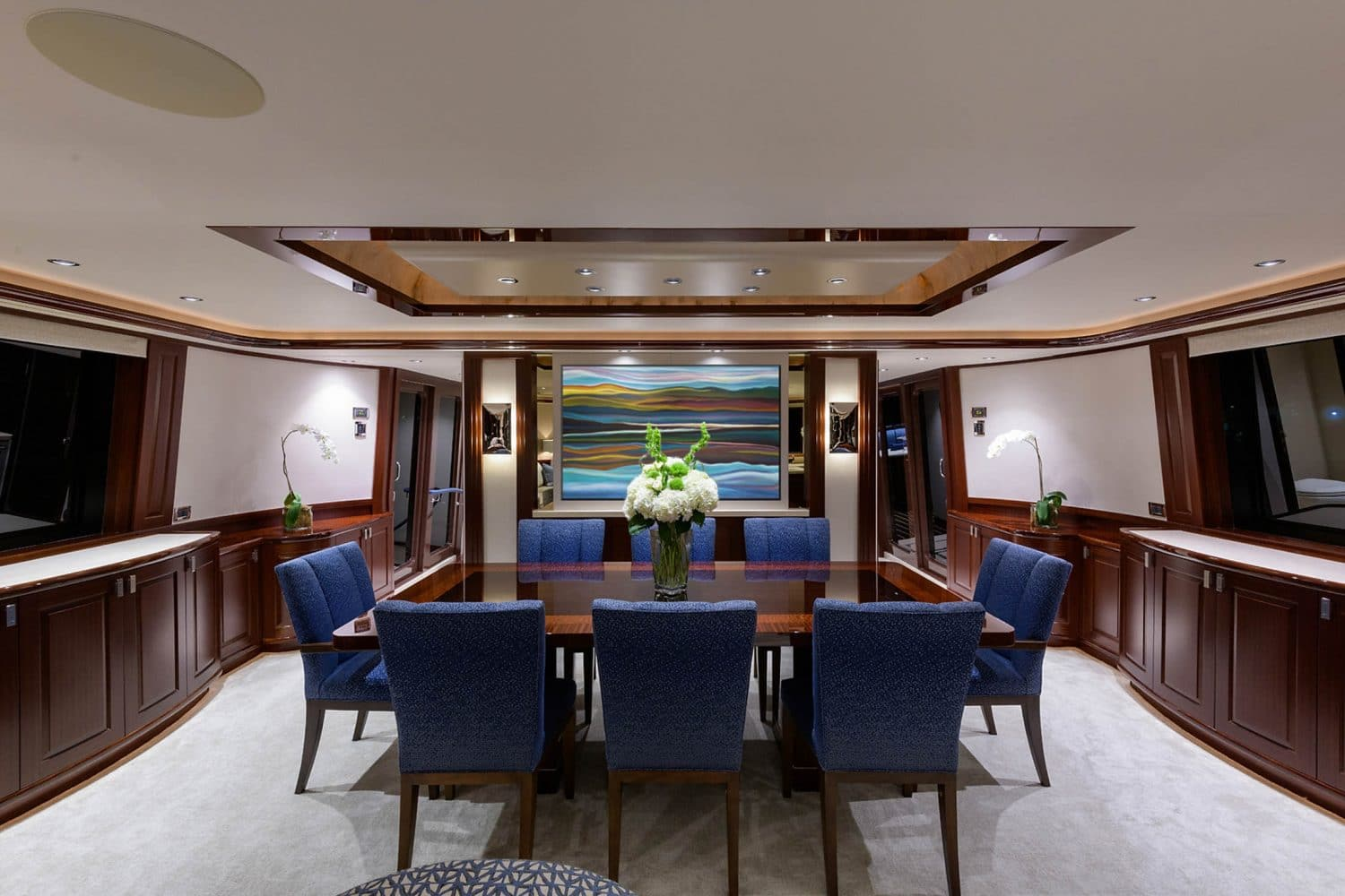 112' Westport Bluewater Cat Dining Salon