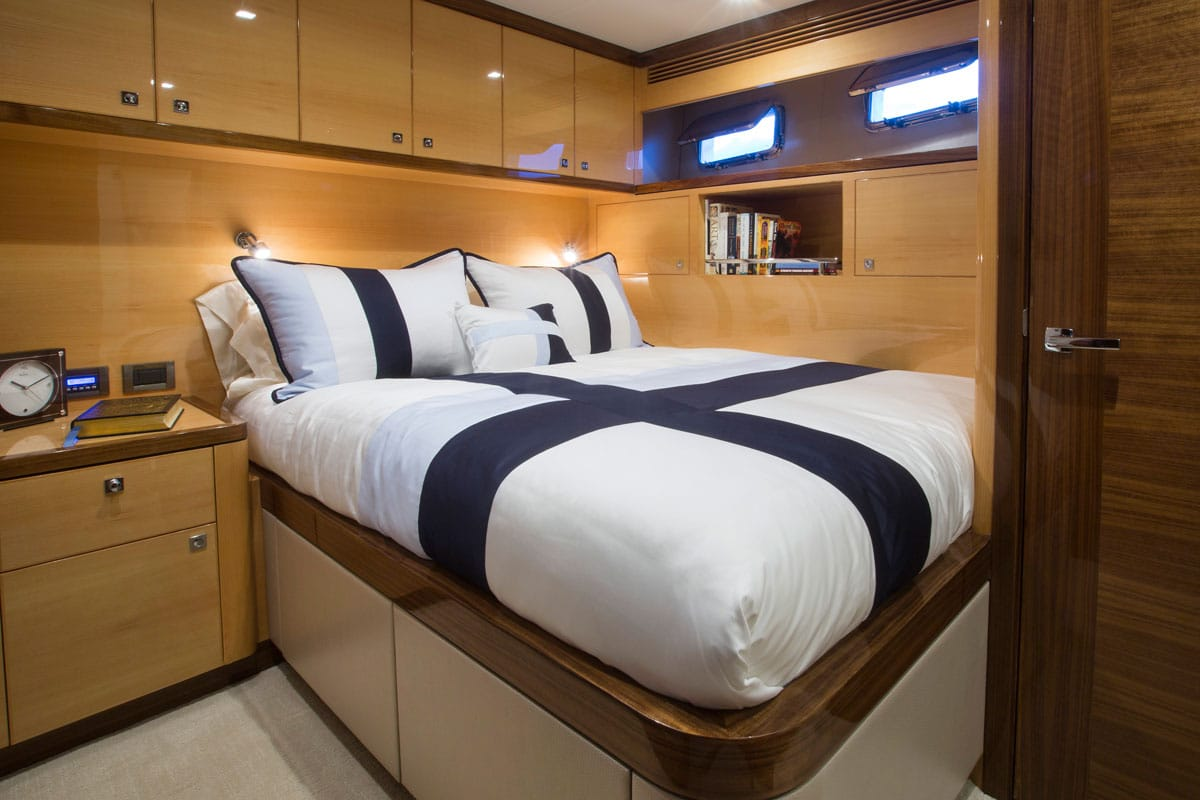 87' Outer Reef Yachts