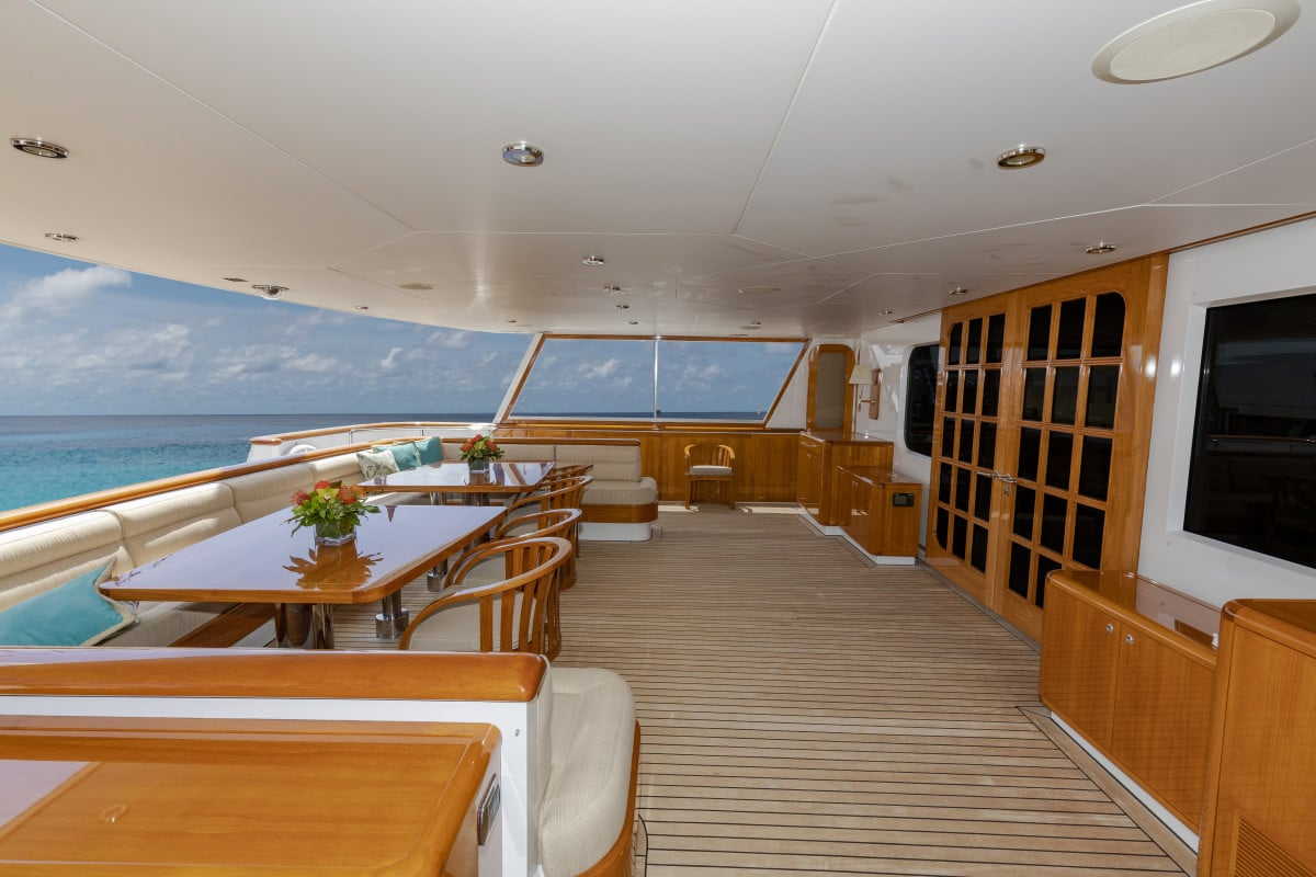 150′ Hakvoort Motoryacht Cracker Bay Aft Deck