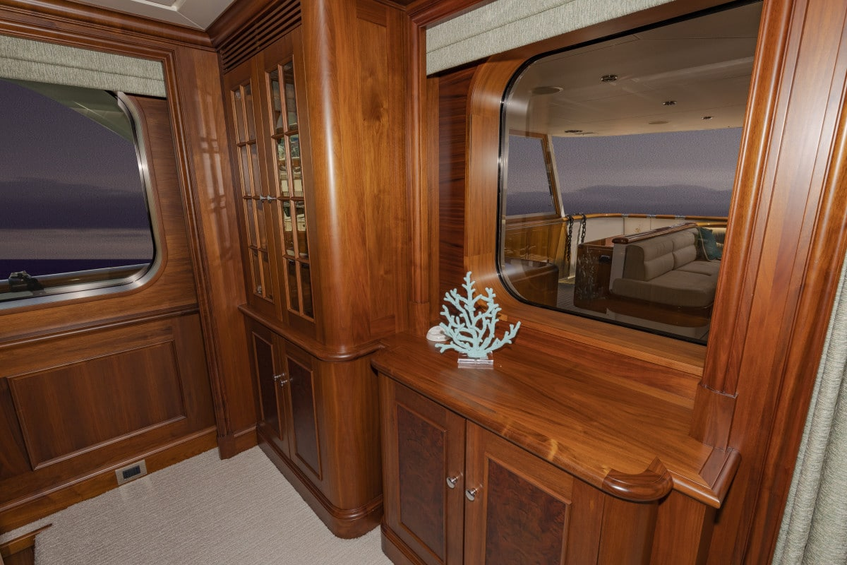 150′ Hakvoort Motoryacht Cracker Bay Main Salon