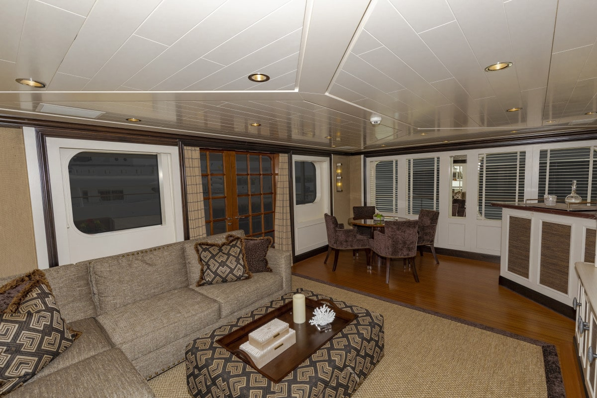 150′ Hakvoort Motoryacht Cracker Bay Sky Lounge