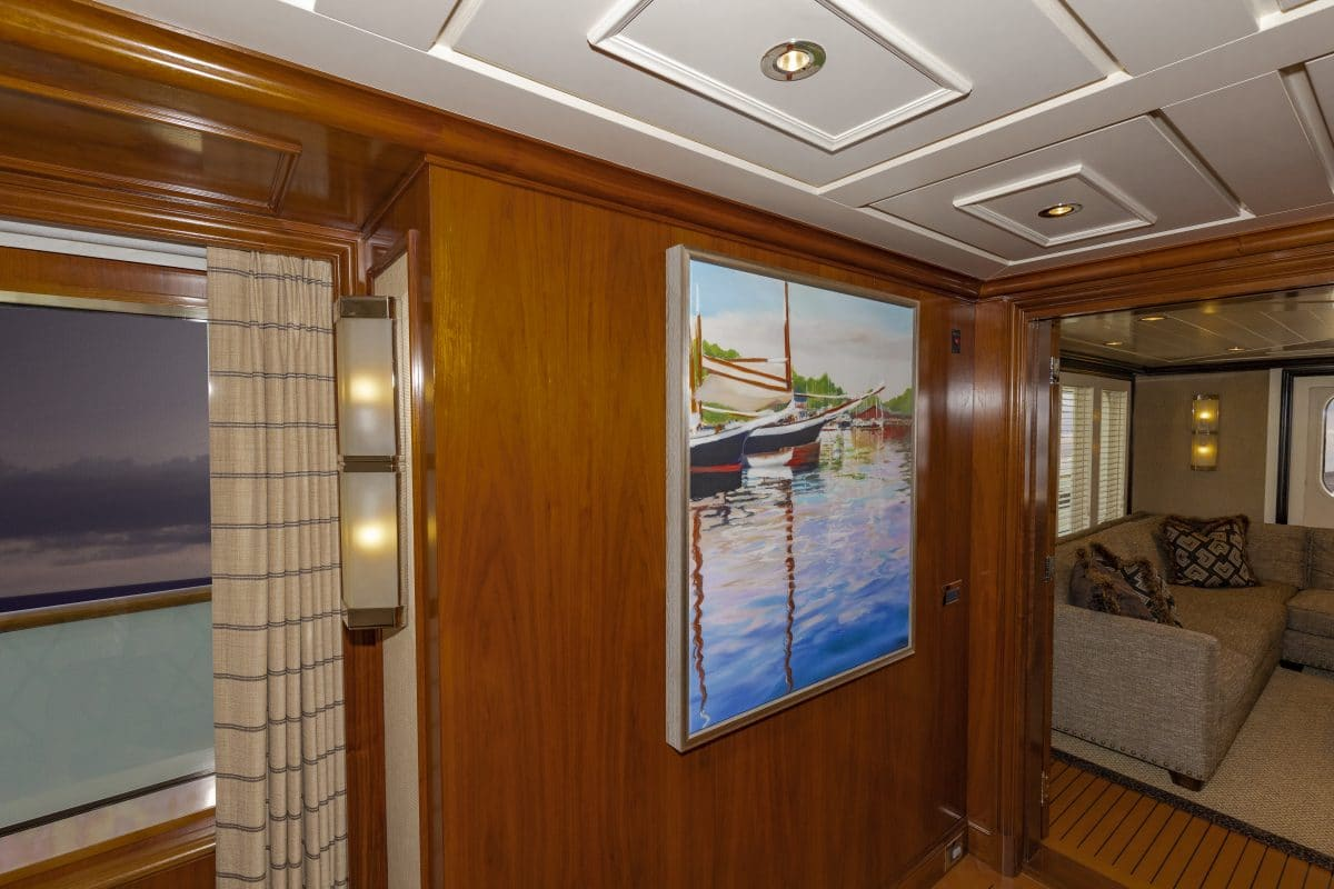 150' Hakvoort Motoryacht Cracker Bay Upper Foyer