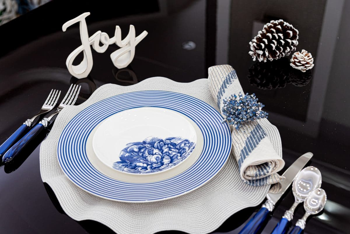 blue and white holiday table settings