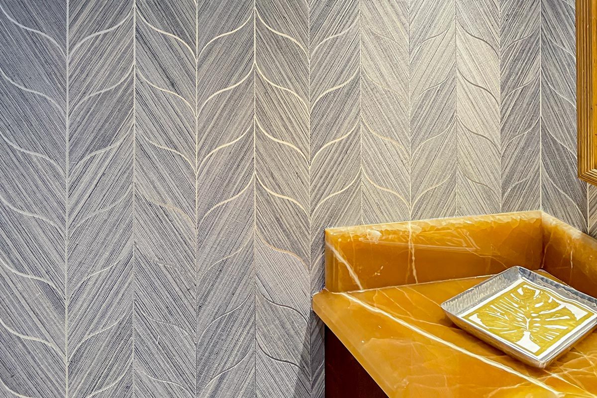 Wall covering in head on Wild Kingdom